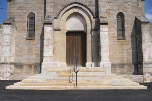 Escalier Eglise en pierres massives(La Roche-Vineuse)Après Travaux