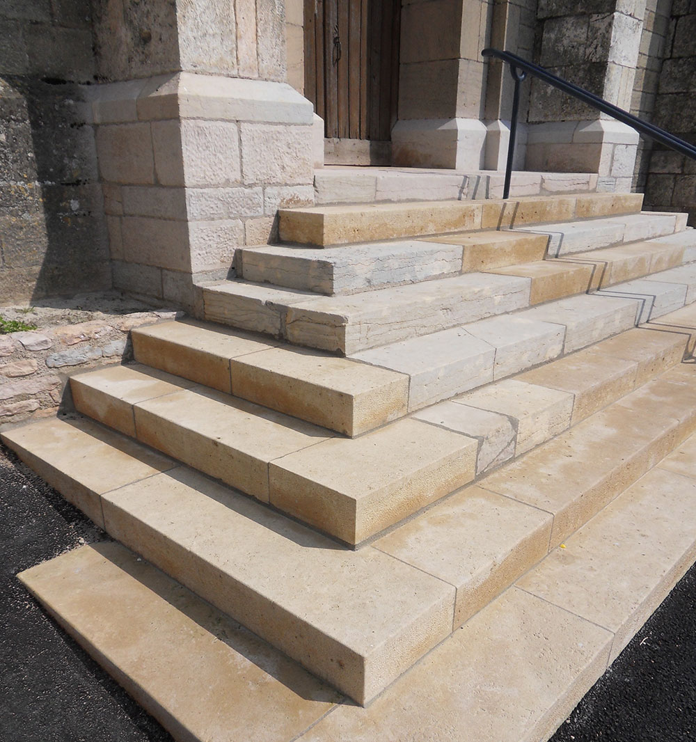 Bragigand b timent marches d 39 escalier eglise en pierres - Marche d escalier en pierre ...
