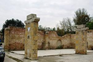 Pilier en pierres(Crêches-sur-Saône)Avant Rénovation
